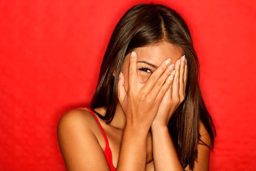 чому чоловіки бояться красивих дівчат